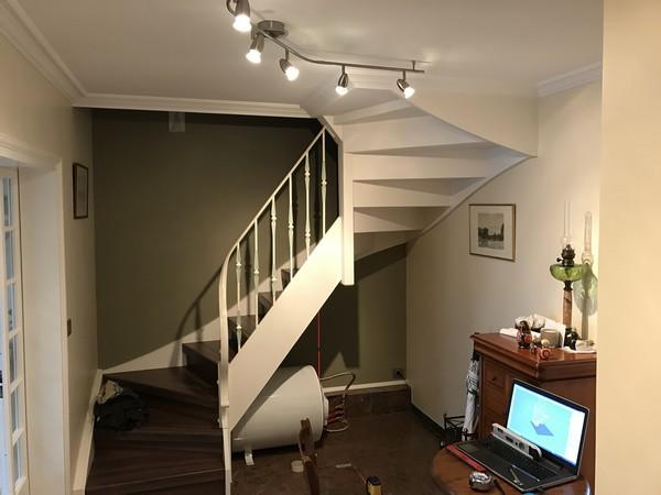 sous escalier 1a